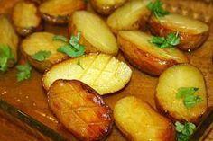 Ruokasurffausta: Herkulliset uunissa paahdetut perunat Food N, Good Food, Food And Drink, Pretzel Bites, Baked Potato, Cucumber, Potatoes, Cooking Recipes, Treats