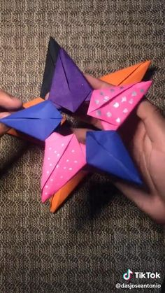 Instruções Origami, Origami Videos, Paper Crafts Origami, Easy Origami Star, Paper Mache Crafts, Paper Crafts For Kids, Fun Crafts, Arts And Crafts, Diy Crafts Hacks
