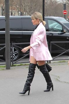 Twitter Leather High Heel Boots, Thigh High Boots, Knee Boots, Sexy Outfits, Cool Outfits, Sexy Boots, Sexy Older Women, High Heels, Twitter