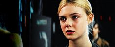 Elle Fanning - Super 8 (2011)  (500×206)