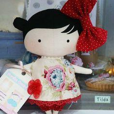 Vermelho cor do amor❤ #bonecadepano #bonecadepanosempre #bonecando #handmadedoll #enxoval #camaposta #camalinda #camaarrumada #mimo #fofurandoacozinha #meucantinho #tildinha #babytilda #tildababy #bonecadepano #bichodepano #festa #aniversario #decoracaofesta #decor #decoracao #bebe #mamaebabona #atelie #instaamigas #amigasdolar