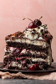 Chocolate Shavings, Mini Chocolate Chips, White Chocolate, Dessert Chocolate, Chocolate Cakes, Chocolate Cheesecake, Chocolate Fudge, Black Forest Cake, Black Forest Cherry Cake Recipe