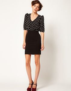 A Wear Spot Contrast Dress