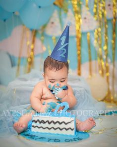 2nd Birthday Pictures, Half Birthday Baby, Half Birthday Cakes, Birthday Ideas, 6 Month Baby Picture Ideas Boy, Baby Boy Pictures, Baby Photos, Baby Monat Für Monat, Baby Boy Cakes