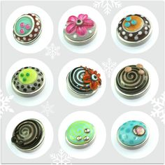 Many neat beads & flat glass cabs, very well done.  http://de.dawanda.com/shop/anlukaa-shop