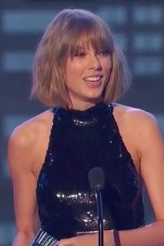 Pin for Later: Taylor Swift Gives Calvin Harris a Sweet Shout-Out in Her iHeartRadio Music Awards Speech