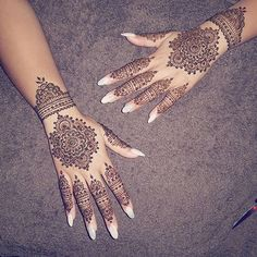 For my besties walima . Henna Hand Designs, Pretty Henna Designs, Wedding Henna Designs, Stylish Mehndi Designs, Mehndi Art Designs, Mehndi Patterns, Henna Tattoo Designs, Mehndi Images, Henna Tattoo Hand