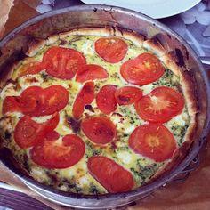 Recept voor een easy Quiche met geitenkaas en spinazie! Dit makkelijke recept is voor iedereen goed te doen en snel te bereiden. Een echt succesrecept voor