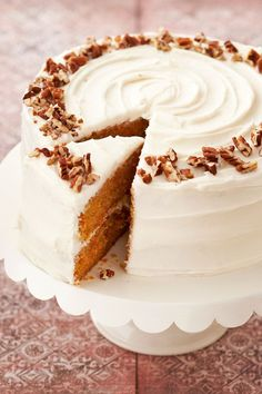 With classic carrot cake recipes, tropical carrot cake recipes with pineapple, and bake sale-worthy carrot cake bars, these easy yet elegant spiced carrot cakes will steal the show (and have everyone begging for your best-ever carrot cake recipes)! #carrotcake #carrotcakerecipes #bestcarrotcakerecipes #easter #springdesserts #bhg Classic Carrot Cake Recipe, Classic Cake, Classic Recipe, Baking Recipes, Cake Recipes, Dessert Recipes, Easter Recipes, Easter Desserts, Easter Cake