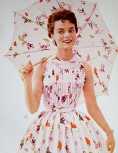 Umbrella novelty print on a dress and, aptly, a matching umbrella (Sears s/s Fifties Fashion, Vintage Fashion, Women's Fashion, Vintage Glamour, Vintage Beauty, Casual Day Dresses, Nice Dresses, Vintage Dresses, Vintage Outfits