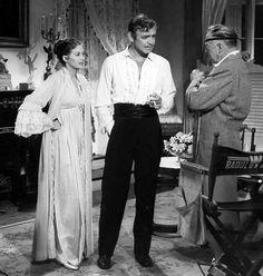 Yvonne De Carlo, Clark Gable, and Raoul Walsh