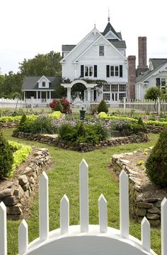 Beautiful garden and home!