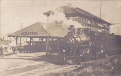 RP: Train at Railroad Station , BARABOO , Wisconsin , 00-10s