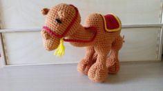 Staande kameel Dinosaur Stuffed Animal, Animals, Animales, Animaux, Animal Memes, Animal, Animais, Dieren