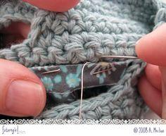 futuregirl craft blog : Tutorial: Sew A Lining Into A Crocheted Bag