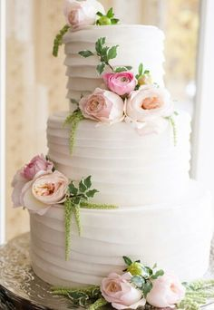 Wedding Cakes Romantic Floral Wedding Cake - Lori Kennedy Photography - Romantic brides rejoice and enjoy this curated collection of Romantic Floral Wedding Cakes. they are simply breathtaking! Floral Wedding Cakes, Wedding Cakes With Flowers, Elegant Wedding Cakes, Beautiful Wedding Cakes, Wedding Cake Designs, Beautiful Cakes, Flower Cakes, Wedding Cupcakes, Spring Wedding Cakes