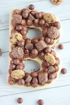 Modern Number Cakes