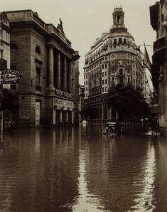 vintage photos of valencia History Of Photography, Types Of Photography, Old Photos, Vintage Photos, Valencia City, Foto Madrid, Spanish Towns, Valence, Barcelona City