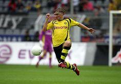 Marcel Schmelzer - Borussia Dortmund... Haha !! Run like the wind Marcel!!
