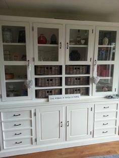 https://i.pinimg.com/236x/22/d5/c4/22d5c4df3ff738ed14aac381076e946a--cupboards-cabinets.jpg