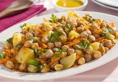 Salada de grão-de-bico, cenoura e batata