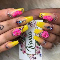 fun nail art for kids Polka Dotsfun nail art easy Toe Fabulous Nails, Perfect Nails, Gorgeous Nails, Pretty Nails, Glam Nails, Hot Nails, Bling Nails, Nail Manicure, 3d Flower Nails