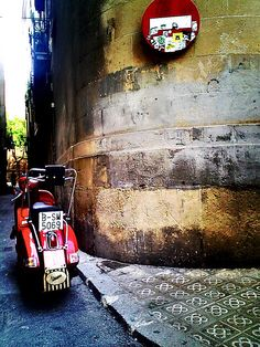 vespa in barcelona, spain Barcelona City, Barcelona Catalonia, Sidecar, Gaudi, Travelling, Portugal, Wanderlust, Around The Worlds, Europe