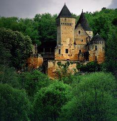 Le château de Laussel  Dordogne,Aquitaine, France.