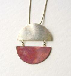 runder schlichter Silberanhänger von Schmuckwerk auf DaWanda.com