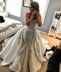 "2,952 Likes, 38 Comments - Suzanna Blazevic (@suzannablazevic) on Instagram: ""Absolutely Beautiful ALEXIA in#suzannablazevic Couture #headpiece @mariaelenaheadpiecesau…"""