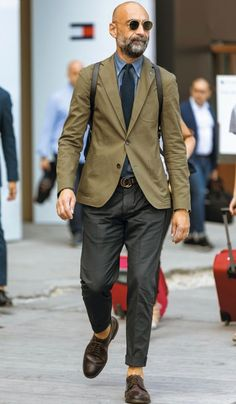 2416 best mature men's fashion images in 2019 Mature Mens Fashion, Suit Fashion, Look Fashion, Fashion Hair, Fashion Tips, Best Street Style, Cool Street Fashion, Mens Smart Casual Outfits, Men Casual