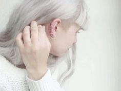1. Älskar alla mina örhängen, trots att de tar tusen år att läka. Min kropp ogillar piercingar hehe. Föredrar detaljer som är där hela tiden, som en inte behöver fixa med eller tänka på.   2. Dessa kängor från Vagabond som jag verkligen har varje dag. Ger lite längd men är ä