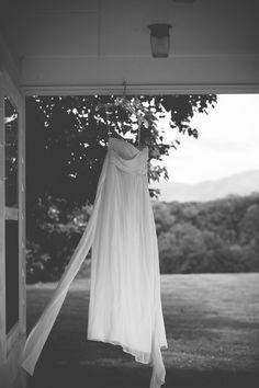 DIY Blairsville Wedding from Raebeam Photography  Read more - http://www.stylemepretty.com/georgia-weddings/2013/07/24/diy-blairsville-wedding-from-raebeam-photography/
