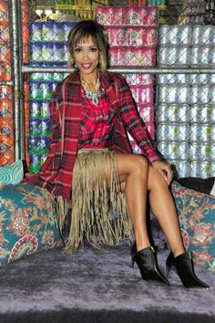 Leigh-Anne rocks the blanket wrap trend like a boss! People Magazine, Like A Boss, Winter Looks, Suzy, Rocks, Blanket, Fashion, Moda, Fashion Styles