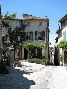 Vaison la Romaine, vieille ville
