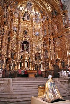 High altar of the Church of San Franicisco in Medina de Rioseco in Valladolid . Cathedral Architecture, Sacred Architecture, Baroque Architecture, Religious Architecture, Amazing Architecture, World Beautiful City, Beautiful Places, Catholic Altar, Catholic Churches