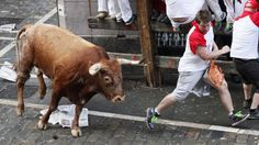 El octavo y último encierro de San Fermín 2014, protagonizado por las reses de la ganadería de Julio Miura, fue el más largo de todos. (AFP) http://hd.clarin.com/post/91765044579/herido-el-octavo-y-ultimo-encierro-de-san-fermin