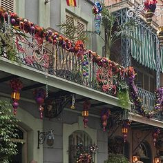 balcony in NOLA at Christmas time