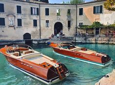 Most Popular Power Boats and Why to Use Them – Voyage Afield Riva Boot, Boat Sketch, Riva Yachts, Wooden Speed Boats, Chris Craft Boats, Classic Wooden Boats, Yacht Boat, Sailing Boat, Vintage Boats