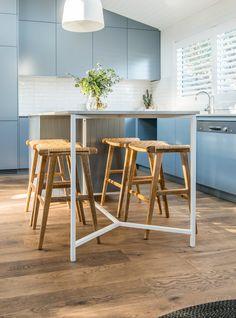 Loving our Sari Casa stools in the 'Studio Kitchen' of Kyal and Kara's Toowoon Bay renovation Kitchen Island Furniture, Kitchen Benches, Kitchen Stools, Kitchen Flooring, Timber Flooring, Studio Kitchen, New Kitchen, Kitchen Ideas, Kitchen Designs