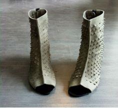 New Collection Olive Grey High heel cut out di WalkByAnatDahari