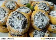 Mrkvové minikoláčky s povidly recept - TopRecepty.cz Tasty, Yummy Food, Biscuit Cookies, Home Food, Desert Recipes, Camembert Cheese, Biscuits, Muffins, Deserts
