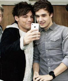 One Direction Pictures, I Love One Direction, Liam Payne, Louis Tomlinson, Normal Guys, Liam James, Best Friendship, Louis And Harry, Important People