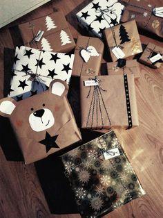 Christmas Gift Box, Christmas Makes, Christmas Countdown, Christmas Wrapping, Handmade Christmas, Christmas Crafts, Festive Crafts, Diy And Crafts, Diy Animal Gift Wrap