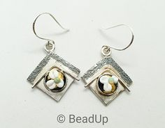 Pair of silver earrings with very small glass cabochons. Silver Earrings, Drop Earrings, Glass Beads, Handmade Jewelry, Creative, Accessories, Silver Drop Earrings, Crystal Beads, Handmade Jewellery