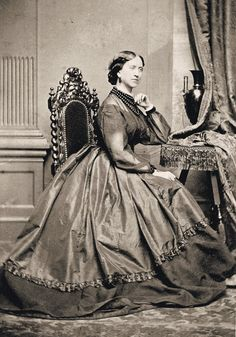 http://i.ebayimg.com/t/4-Prints-Civil-War-Photos-Ladies-in-Fancy-Dresses-/00/s/OTgxWDY4Ng==/$(KGrHqJHJEcFDJ,P6qiJBQ3hhJcuCg~~60_57.JPG