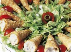 """Bonitos e gostosos, os <a href=""""/culinaria/receitas/receita-de-canudinho-atum-599430.shtml""""target=""""_blank"""">Canudinhos de atum</a> são ótima opção para aperitivos"""