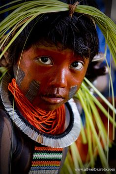 Tribal Headdresses From Around The World ~ Part VI Precious Children, Beautiful Children, Beautiful People, We Are The World, People Around The World, Around The Worlds, Cherokees, Xingu, Interesting Faces