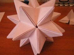 Origami star tree topper tutorial The Effective Pictures We Offer You About angel Tree Toppers A quality picture can tell you many things. You can find the Origami Tree, Origami Butterfly, Origami Stars, Origami Tutorial, Origami Easy, Oragami, Diy Tree Topper, Star Tree Topper, Origami Paper Folding