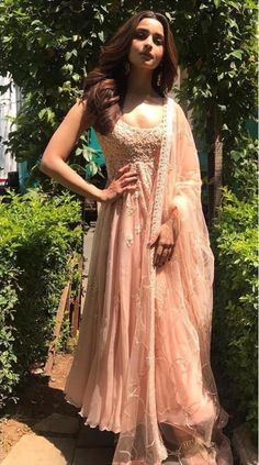 Alia Bhatt has been seen wearing one gorgeous Indian outfit after another for her movie promotions. Check all of Alia Bhatt's Indian Looks here with prices. Indian Gowns, Indian Attire, Indian Wear, Indian Sarees, Indian Anarkali, Indian Look, Dress Indian Style, Indian Wedding Outfits, Indian Outfits